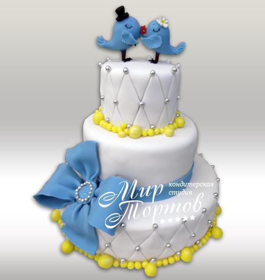 Свадебный торт с голубым бантом