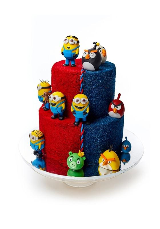 Торт с Миньонами и злыми Птичками