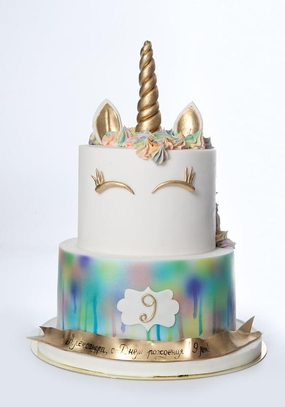 Торт с Золотым Единорогом