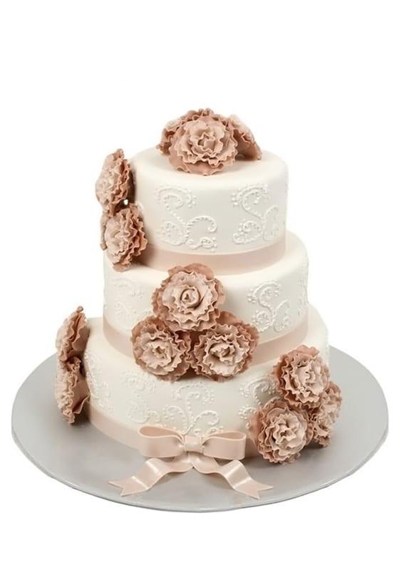 Свадебный торт Коричневыми цветами