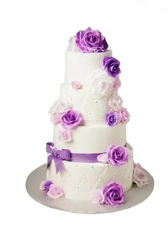 Свадебный торт с Сиреневым розами