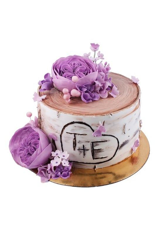 Свадебный торт в виде Пенечка с цветами