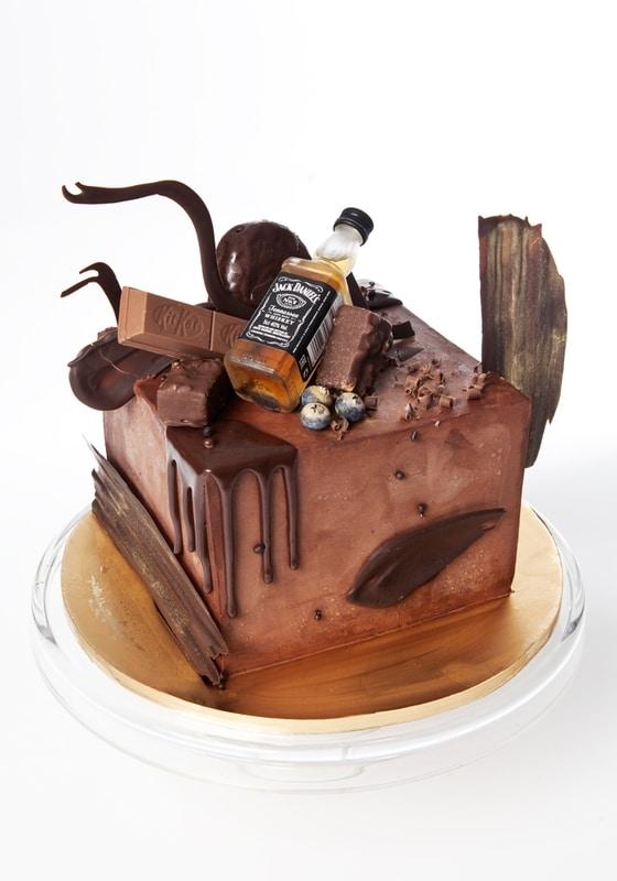 Торт с Бутылкой виски