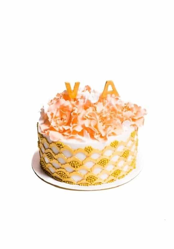 Торт с Коралловыми цветами