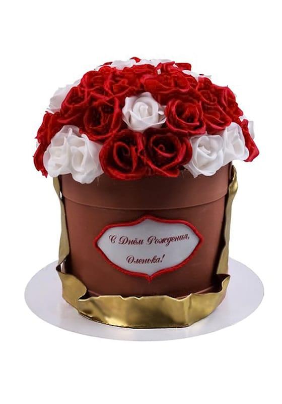 Торт в виде Корзины с розами