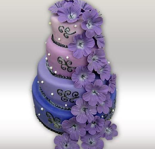 Свадебный торт в фиолетовых тонах