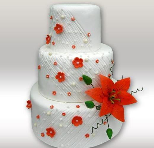 Свадебный торт с красной лилией