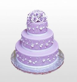 Свадебный торт фиолетового оттенка